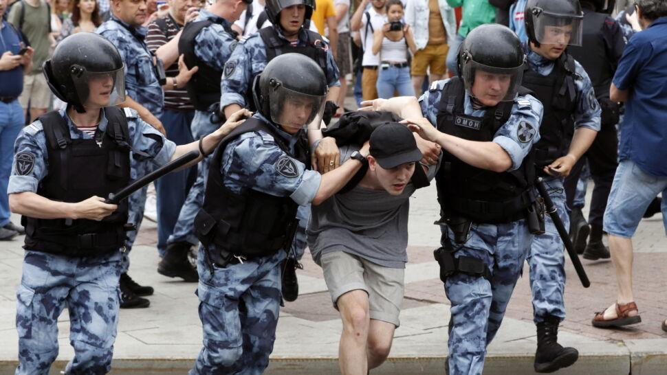 Żądają kar za aresztowanie Gołunowa. Kilkuset zatrzymanych w Moskwie