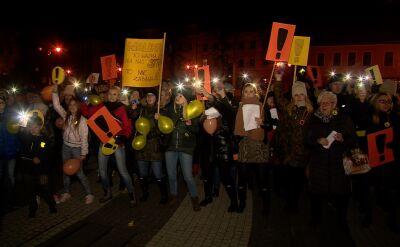 Wiece poparcia dla strajkujących nauczycieli we Wrocławiu i Szczecinie