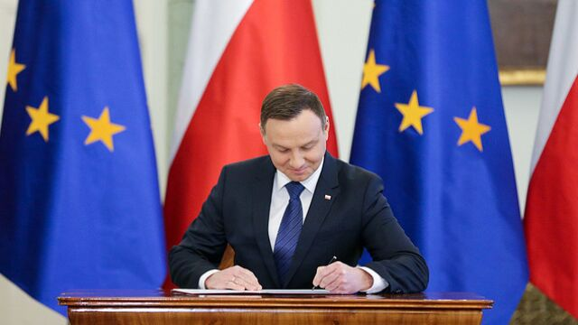 Prezydent podpisał ustawę w sprawie obsadzania mandatów do europarlamentu