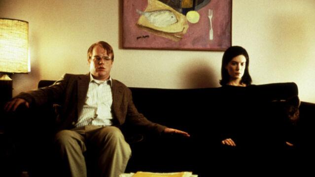 """Philip Seymour Hoffman w """"Happiness"""", 1998 rok (na zdjęciu z Larą Flynn Boyle)"""