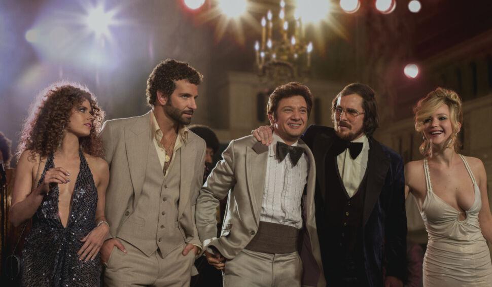 Amy Adams, Bradley Cooper, Jeremy Renner, Christian Bale i Jennifer Lawrence