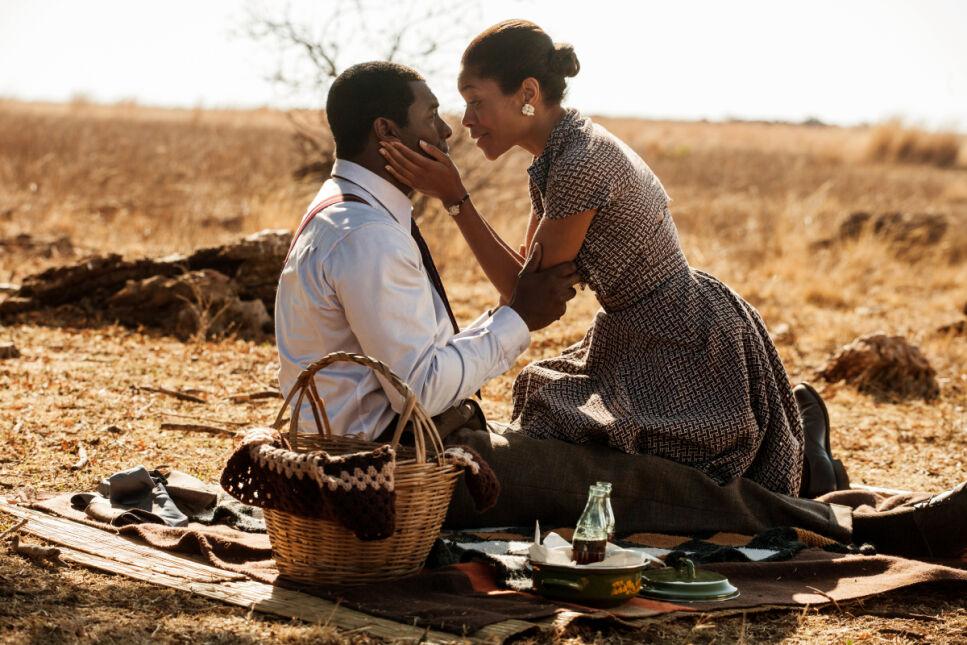 Chiwetel Ejiofor i Kelsey Scott