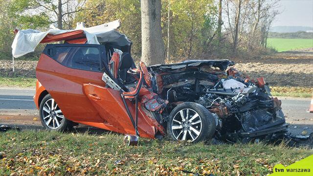 Poważny wypadek pod Pułtuskiem. W akcji śmigłowiec LPR