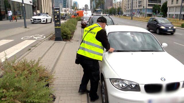 Duże miasta podwyższają kary za brak opłaty za parkowanie