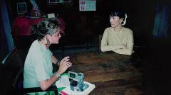 Czasy studiów, przed wstąpieniem do CIA. Amaryllis przeprowadza wywiad z Aung San Suu Kyi