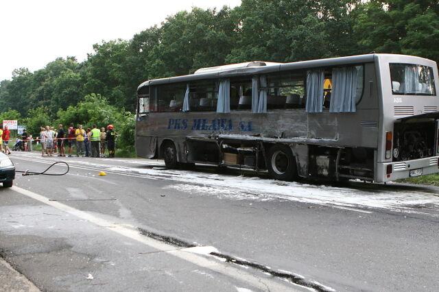 Autobus zderzył się z TIR-em