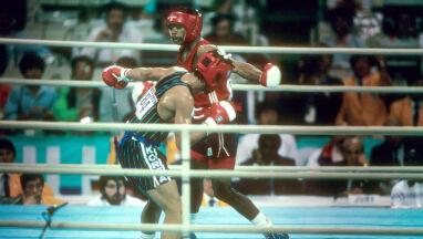 Roya Jonesa Jr sędziowie okradli z olimpijskiego złota, jemu złamali życie.