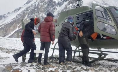 Śmigłowiec zabrał Rafała Fronię do szpitala w Skardu