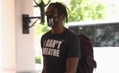 Koszykarze Indiana Pacers przybyli do Orlando w specjalnych koszulkach