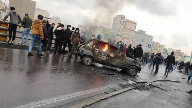 ONZ o przemocy wobec demonstrantów, irańskie agencje o śmierci funkcjonariuszy