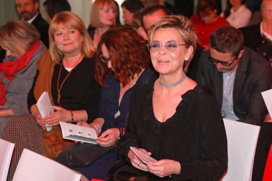 Dziennikarka Justyna Pochanke (P) podczas gali wręczenia Nagrody Radia Zet im. A. Woyciechowskiego