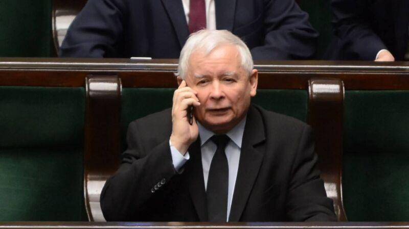 """Taśmy Kaczyńskiego. """"GW"""": to prezes PiS rządzi spółką Srebrna"""