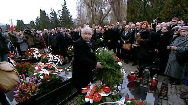Prezes PiS na wojskowych Powązkach
