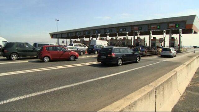 Sposób GDDKiA na autostradowy korek? Kierowcy z viaAuto znów staną w kolejce