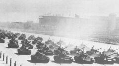 Chińskie czołgi Typ-59 były trzonem sił pancernych, które uderzyły na Wietnam