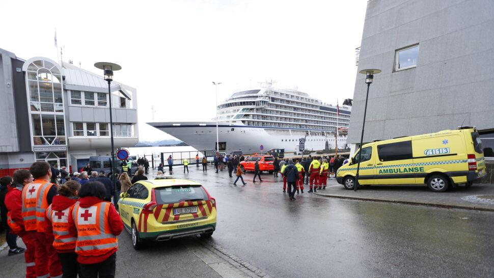 Awaria i dramatyczna ewakuacja. Viking Sky wpłynął do portu