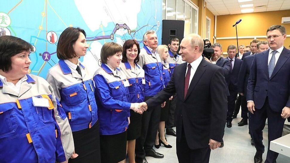 """""""Jeszcze jeden ważny krok"""" na Krymie. Turbiny czekały na Putina"""