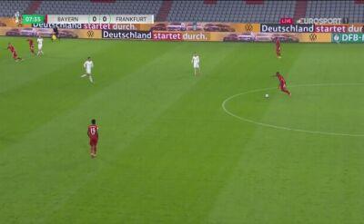 Jak on tego nie trafił? Pudło Roberta Lewandowskiego w Pucharze Niemiec