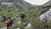 Ratownicy TOPR w pobliżu Jaskini Śnieżnej Wielkiej