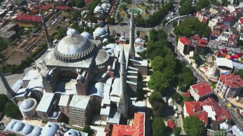 W Hagii Sophii odbywają się pierwsze muzułmańskie modlitwy