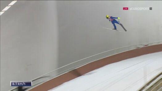 Puchar Świata w Niżnym Tagile. Jewgienij Klimow - skok w kwalifikacjach