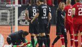 Petarda wybuchła pod nogami bramkarza w meczu Royal - Eintracht