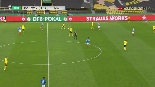 Półfinał Pucharu Niemiec. Borussia Dortmund - Holstein Kiel 2:0 (gol - Reyna))