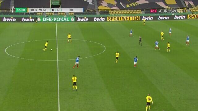 Półfinał Pucharu Niemiec. Borussia Dortmund - Holstein Kiel 1:0 (gol - Reyna)
