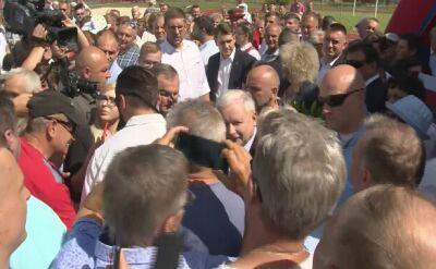 Hełm lidera, pytania o LGBT. Kaczyński na pikniku rodzinnym w Zbuczynie