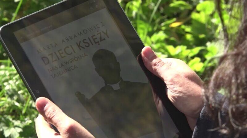 Marta Abramowicz czyta fragment swojej książki