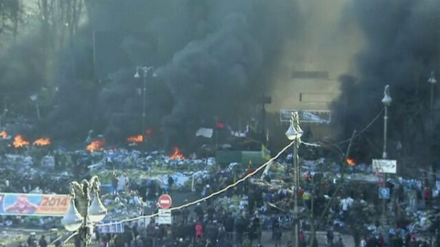 Płonące opony w Kijowie