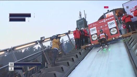 Skok Jakuba Wolnego z konkursu drużynowego w Willingen