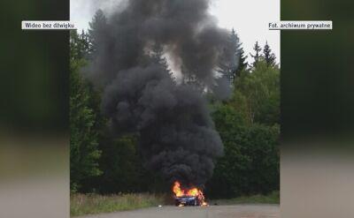 Samochód spłonął doszczętnie