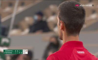 Piłka meczowa dla Djokovicia w półfinale French Open z Tsitsipasem