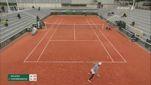 Najlepsze zagrania Igi Świątek w drodze do finału French Open