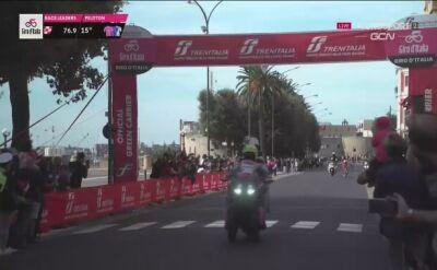 Kraksa przed lotnym finiszem na 7. etapie Giro d'Italia