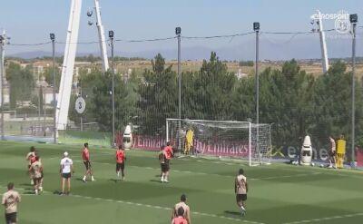 Remis Barcelony nakręcił Królewskich na treningu