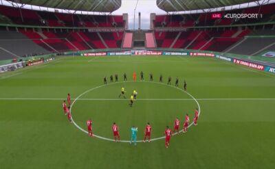 Finaliści Pucharu Niemiec oddali cześć ofiarom COVID-19