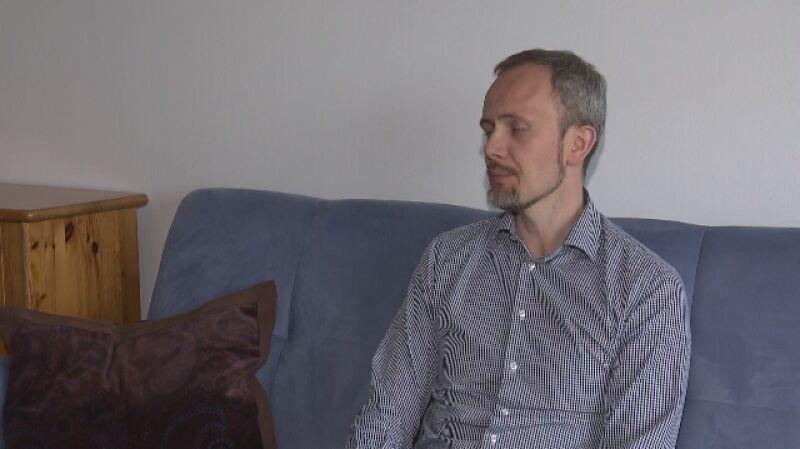 Seksuolog: zdarza się, że osoba zanim wejdzie w terapie, już kolejny raz skrzywdzi dziecko
