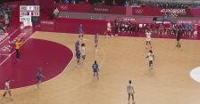 Tokio. Finał piłki ręcznej kobiet. ROC-Francja. Pierwsza połowa z wynikiem 13:15