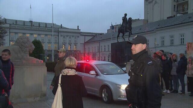 Kwadrans u prezydenta. Po przyjęciu dymisji rząd wraca do Sejmu