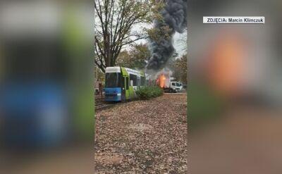 Zderzenie ciężarówki z tramwajem. Pojazdy stanęły w płomieniach