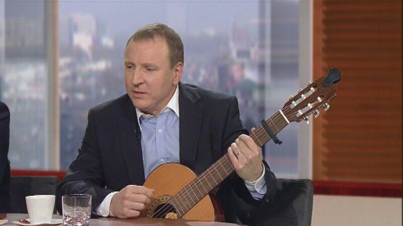 Jacek Kurski z muzycznym występem w TVN24