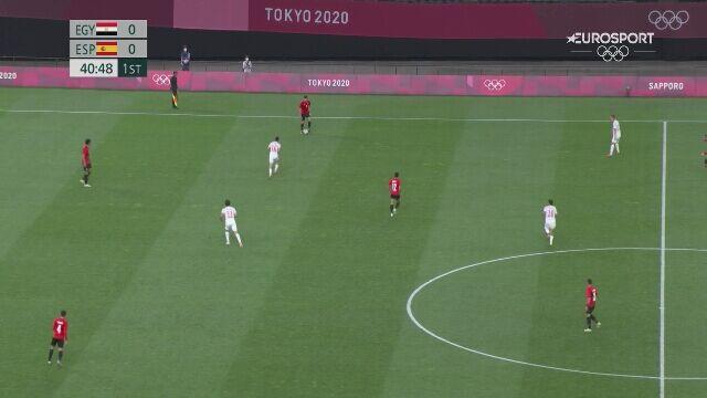 Tokio. Piłka nożna mężczyzn. Brutalne wejście podczas meczu Hiszpania - Egipt