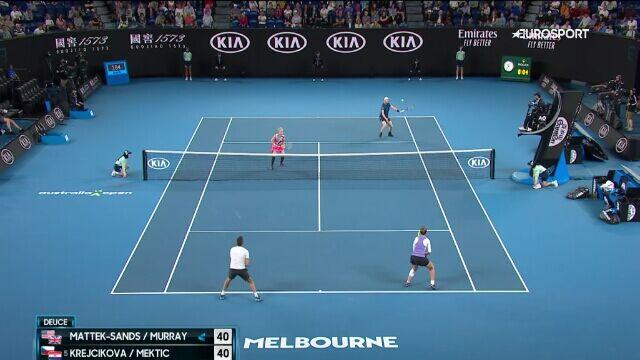 Skrót finału Australian Open w mikście. Tiumf Krejcikovej i Mekticia