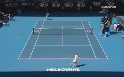 Skrót meczu Halep - Mertens w 4. rundzie Australian Open