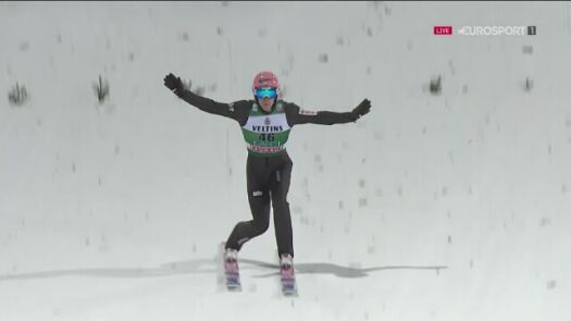 Skok Dawida Kubackiego z 1. serii niedzielnego konkursu w Lahti