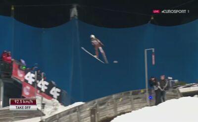 Skok Piotra Żyły z 1. serii konkursu w Oberstdorfie