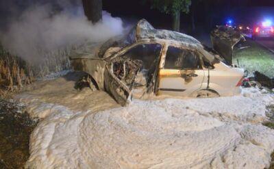 Samochód niemal całkowicie spłonął