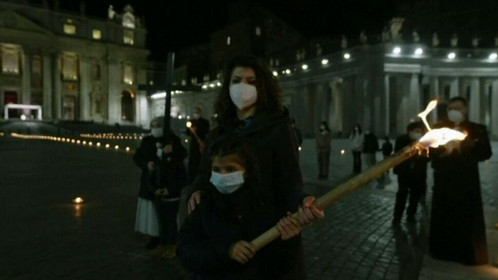 Pusty Plac Świętego Piotra w Watykanie, kolejny lockdown we Francji